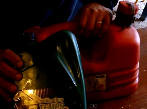 Préparer du mélange moteur 2 temps