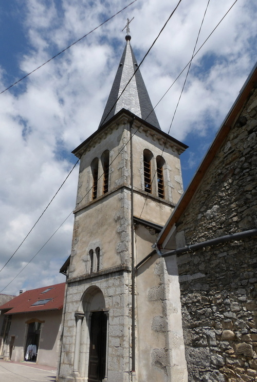 L'église de Colomieu