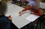 Un jeu simple pour apprendre les tables de multiplications : la bataille des multiplications