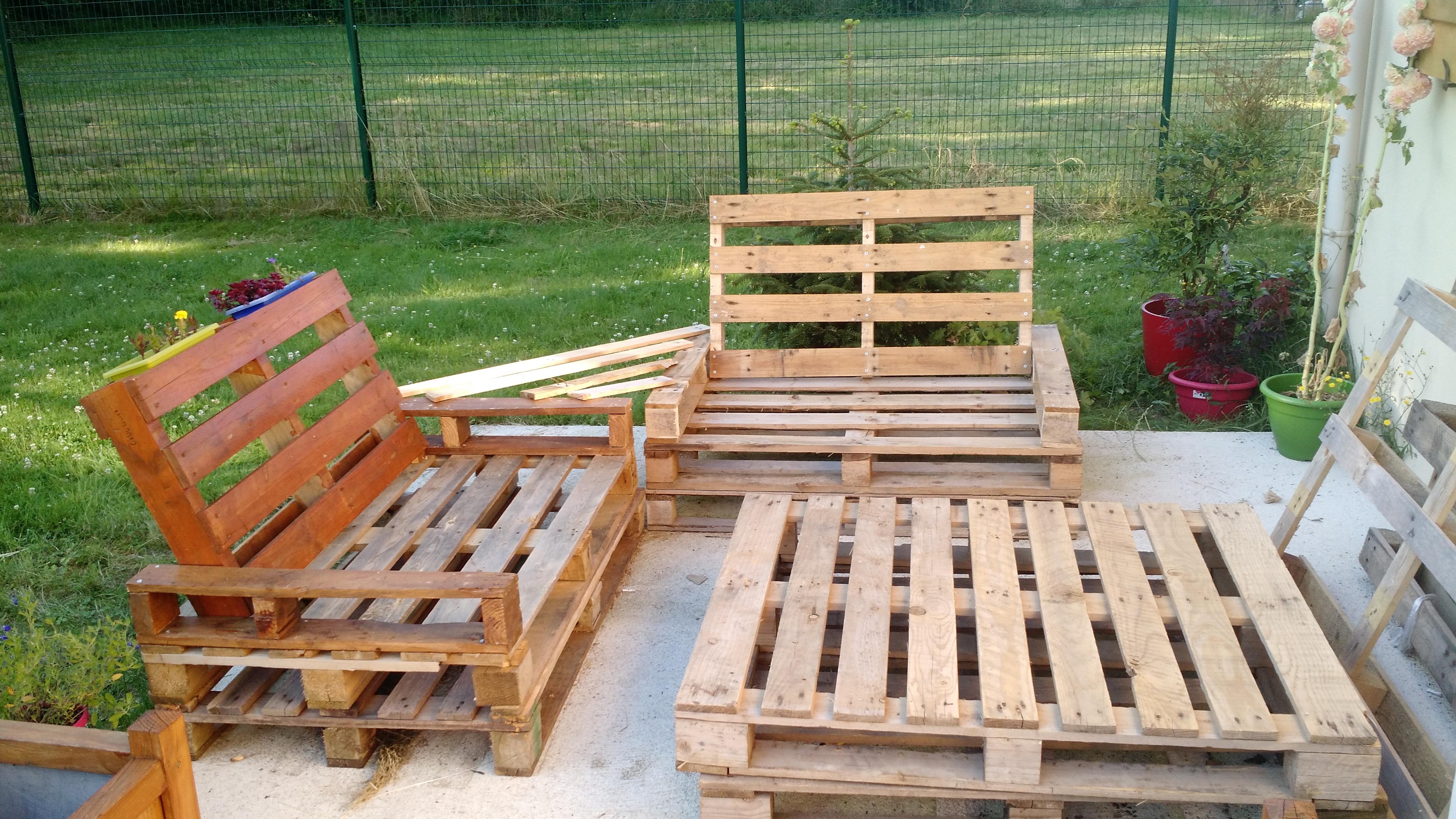 Avancement du Salon de jardin en bois de palette Les Chroniques