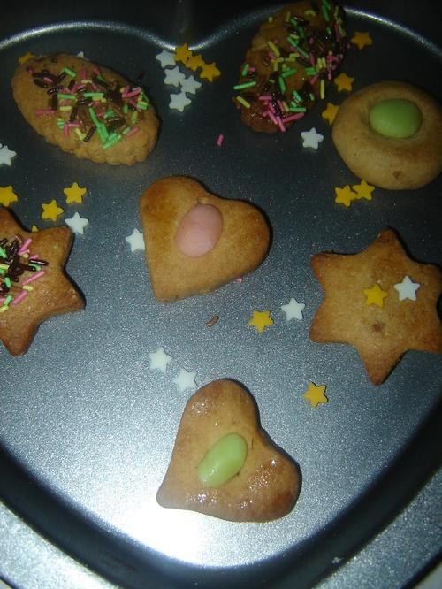 Biscuits au beurre de cacahuètes et pâte d'amande