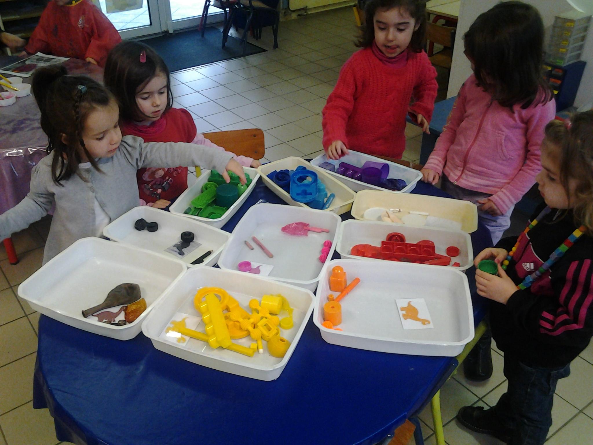 Super Pop mange de toutes les couleurs - Ecole Saint-Pierre MOLAC PA82