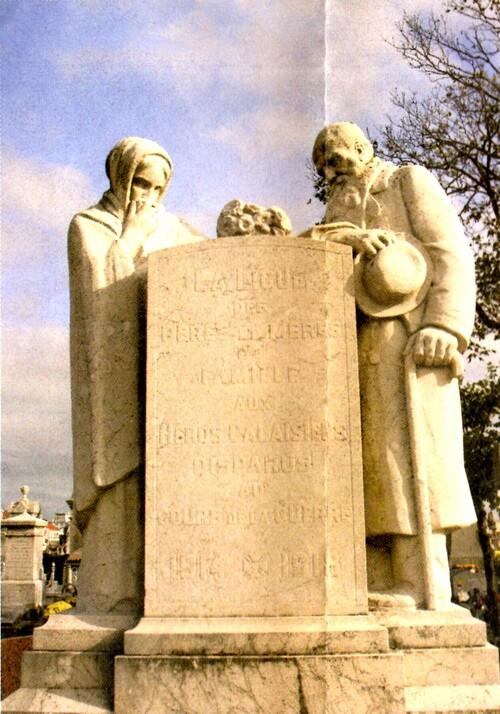 Monuments aux morts et lieux de mémoire