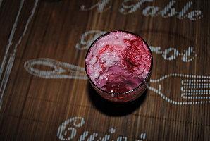 Crème à la framboise sous son nuage rose