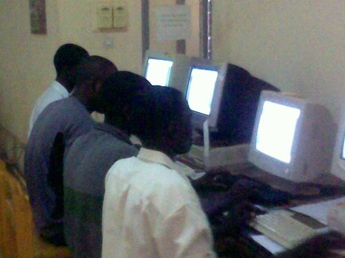 Des élèves du Lycée Agbba en formation