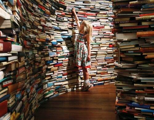 Lire un bouquin pendant quinze minutes : c'est le défi du jour