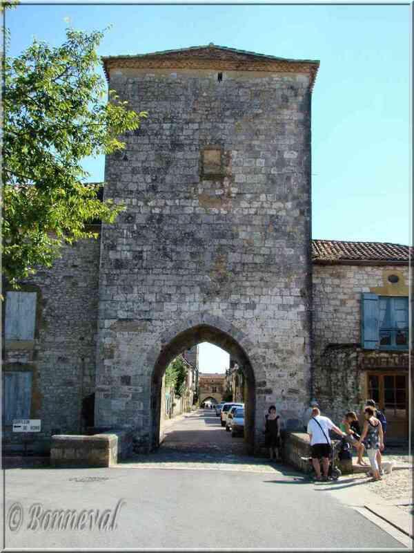 Bastide de Monpazier Dordogne la Porte Notre Dame