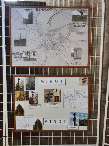 Une exposition de photographies de croix dans l'église d'Aignay le Duc...