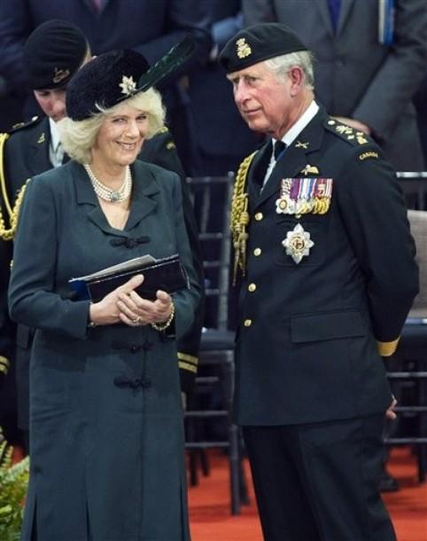 Charles et Camilla à la commémoration militaire