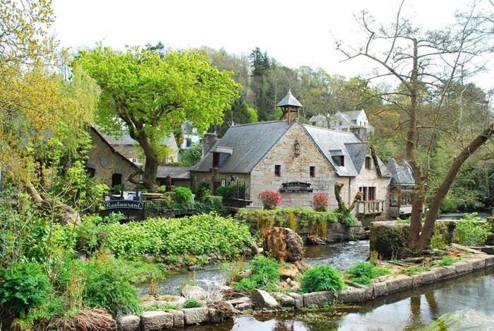 Les Plus Beaux Villages De Bretagne - Par Clio Bayle - Mars 2020 -