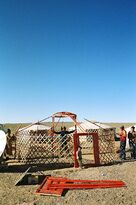 Yurt-construction-1.JPG