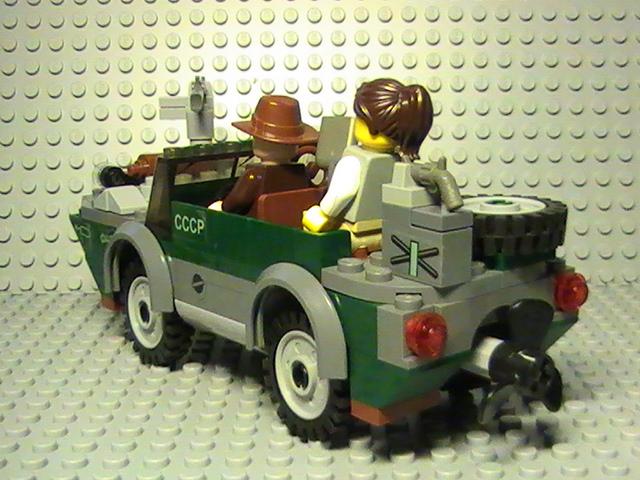 Légo Indiana Jones n° 7625 de 2008 - La poursuite sur la rivière.