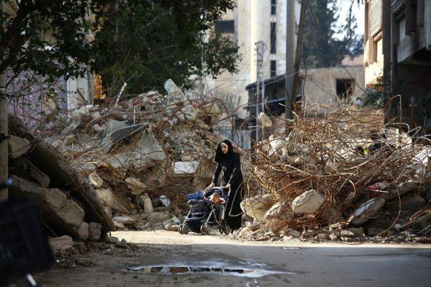 Dans une rue de Douma, le 13 décembre 2014 (AFP / Abd Doumany)