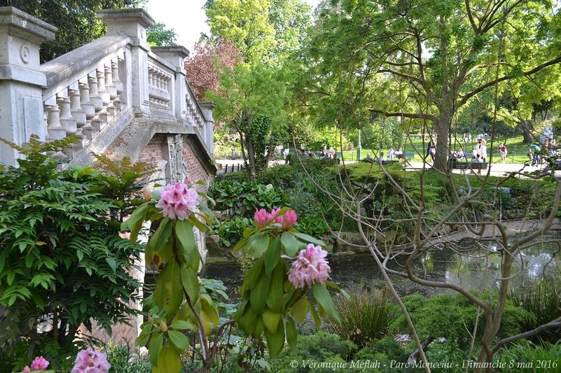 Parc Monceau : Petit pont à l'italienne