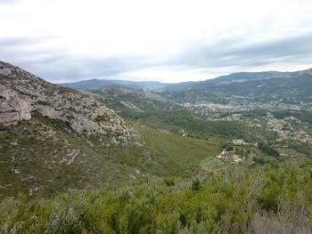 Vue vers l'aval et Roquevaire