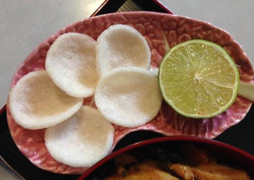Kæng mạs̄mạ̀n (แกงมัสมั่น) - Curry Massaman à la pâte de tamarin avec poulet mariné, fruits & légumes variés