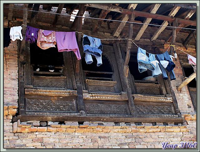 Blog de images-du-pays-des-ours : Images du Pays des Ours (et d'ailleurs ...), Du haut vers le bas - Khokana - Népal