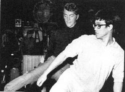 Bruce et Dean Martin répètent une scène pour The Wrecking Crew (juillet 1968).