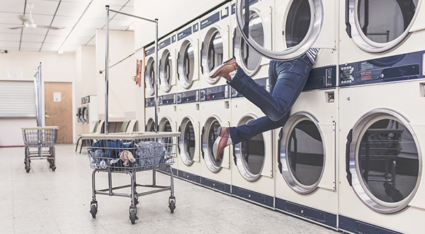 How Does a Laundry Company Track Their Linens?