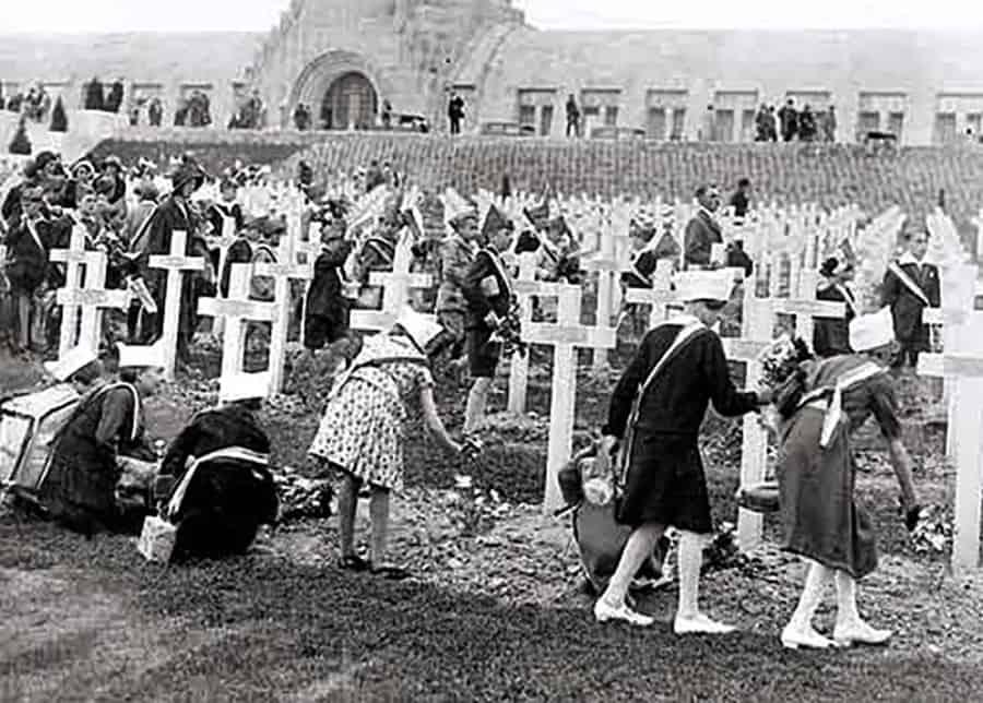 Cérémonie à Douaumont en 1932