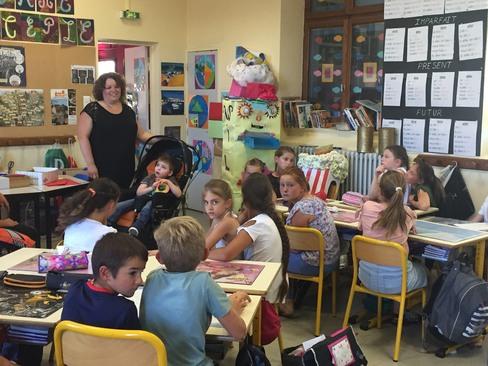 Visite du petit Léon à l'école