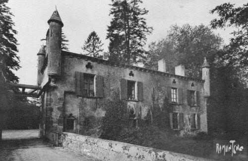 L'incendie du château de la Forêt-sur-Sèvre....
