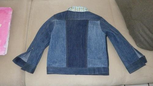 Une veste en jean