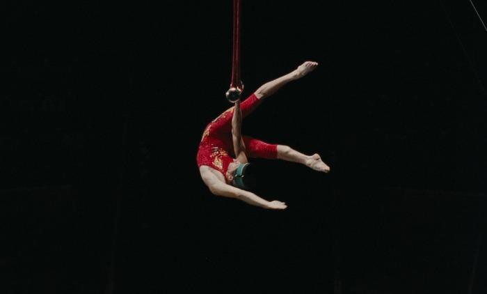 Les Équilibristes de Nikos Papatakis (1991) * Walking a Tightrope