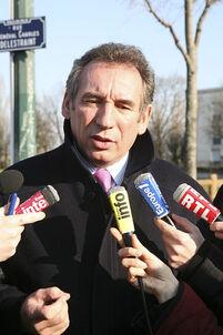 Quand François Bayrou se plaint de l'enquête à Radio France
