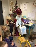 Visite de Saint Nicolas à la maternelle