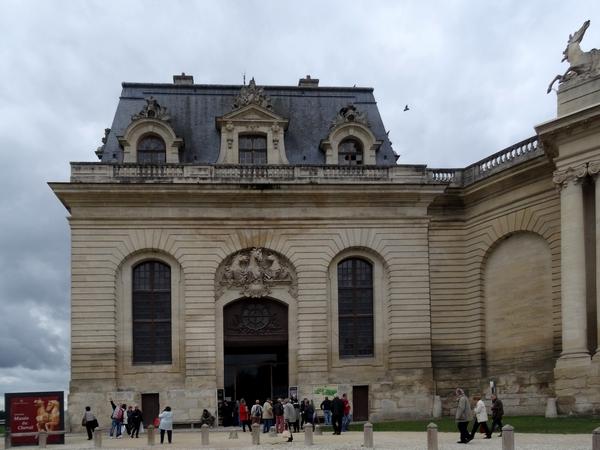 L'AMPC a proposé à ses adhérents un magnifique voyage au château de Chantilly: après avoir admiré les tableaux du Duc d'Aumale , ils ont visité le Musée du Cheval...