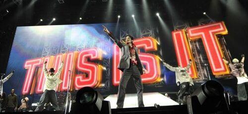 Des mails accable le promoteur des concerts