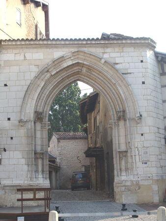 Porte_des_Jacobins