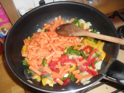 """riz au safran et petits légumes """"à l'espagnole""""^^"""
