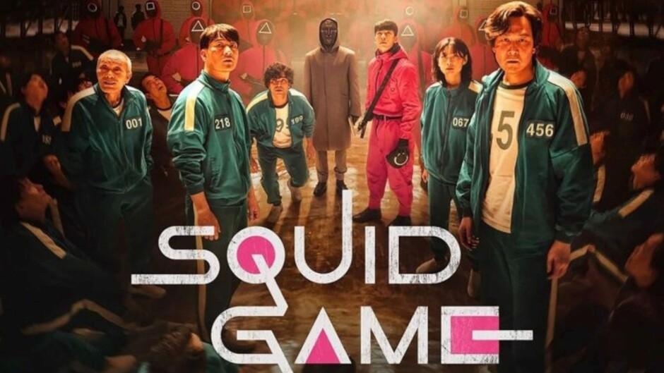 """Squid Game : 456 personnes, qui ont toutes lutté dans la vie, sont invitées à participer à une mystérieuse compétition de survie nommée """"Squid Game"""". Participant à une série de jeux traditionnels pour enfants mais avec des rebondissements mortels, ils ont risqué leur vie pour concourir pour un prix de 45,6 milliards de yen (40 millions de dollars), pour lequel il n'y aura qu'un seul gagnant. ..... ----- .....  Origine : Corée du Sud Réalisation : Dong-hyuk Hwang Durée : 60 Acteur(s) : Wi Ha-Joon, Lee Jung-jae, Park Hae-Soo, Gong Yoo Genre : Aventure, Dramatique, Horreur, Science-fiction, Thriller Date de sortie : 2021 Episodes : 9"""