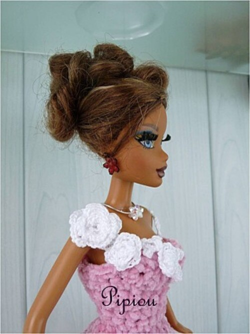 Barbie en robe au crochet : Graziella..