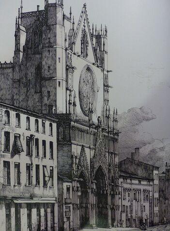 Photographie en noir et blanc de la façade d'une cathédrale, vue de biais.