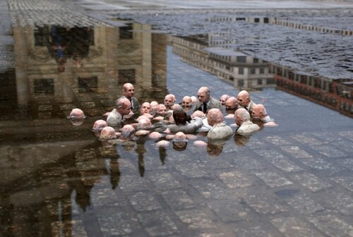 "Isaac Cordal, ""Follow the leaders"", 2009"
