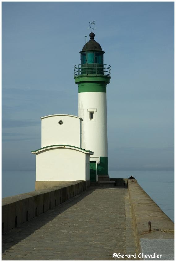 Le Tréport - Le phare.