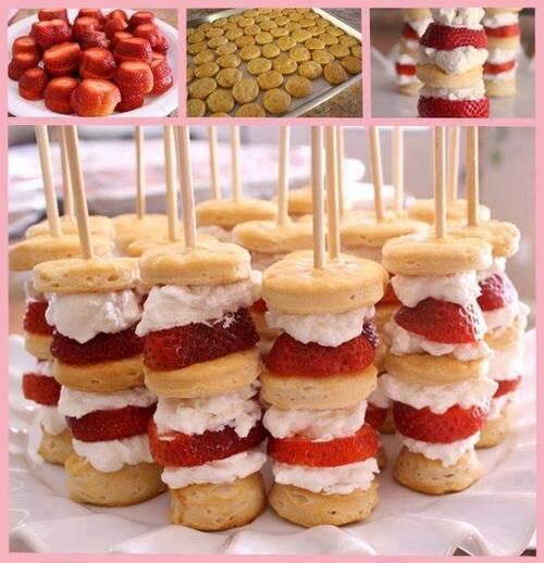 Des brochettes de fraises