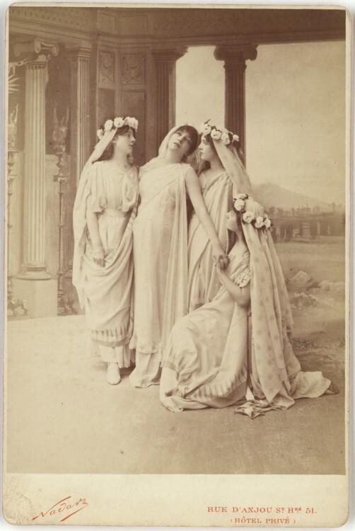 Nadar-Portrait-Sarah-Bernhardt-as-Phedre-in-Racines-Phaedra