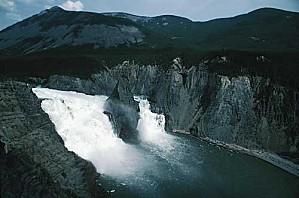virginia-falls-nahanni