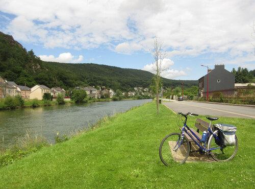 à Bogny-sur-Meuse