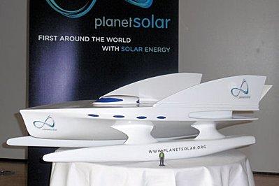 planetsolar-premier-catamaran-100-solaire-327596.jpg