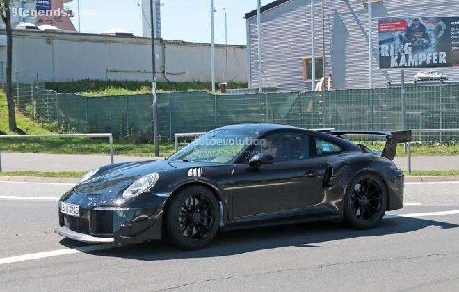 Porsche-991-GT2