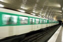 Dans une station de métro le matin