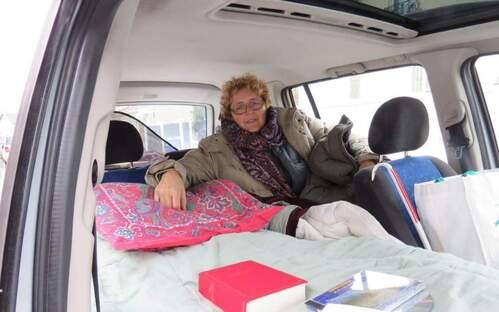 Drancy. Ana Zec vit depuis près de six ans dans sa voiture faute de pouvoir bénéficier d'un logement adapté à son lourd handicap. LP/F. NI.