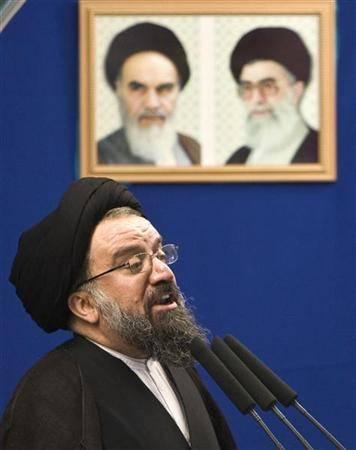 خطيب جمعة طهران يكفّر المتظاهرين