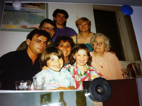 Juin 1991 Soraya est la petite fille en rouge...Nous avons tous bien changé !!!