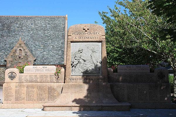 Perros-Guirec le monument aux morts